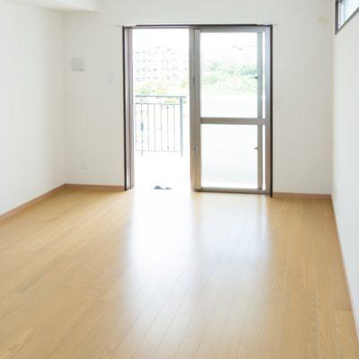 平凡なアパートの部屋