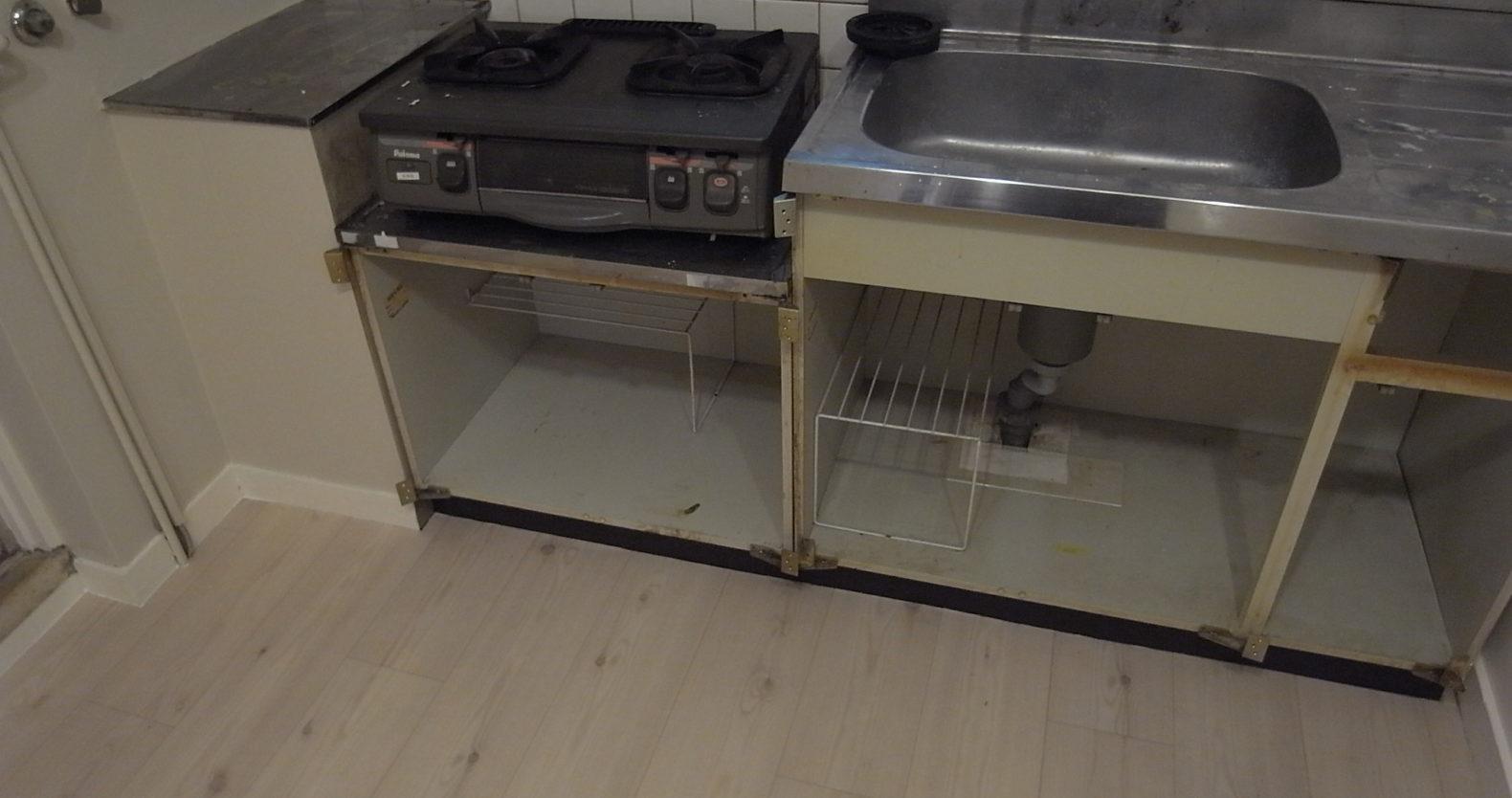 古びたキッチン